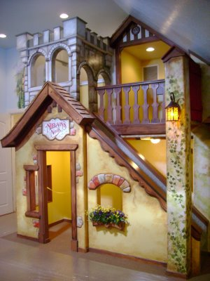 11 Incredible Kids Playhouses Under The Stairs Do It