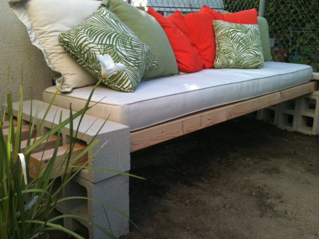 Really Cool Diy Garden Bench In Less Than An Hour Do It