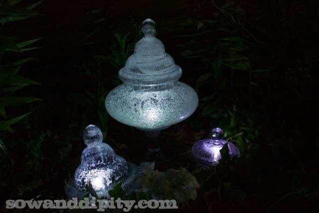 Diy glow in the dark garden light sculptures do it yourself fun ideas tutorial httpsowanddipitywp contentuploads201308diy garden lights newg solutioingenieria Gallery
