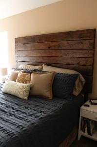 easy diy wood plank  headboard