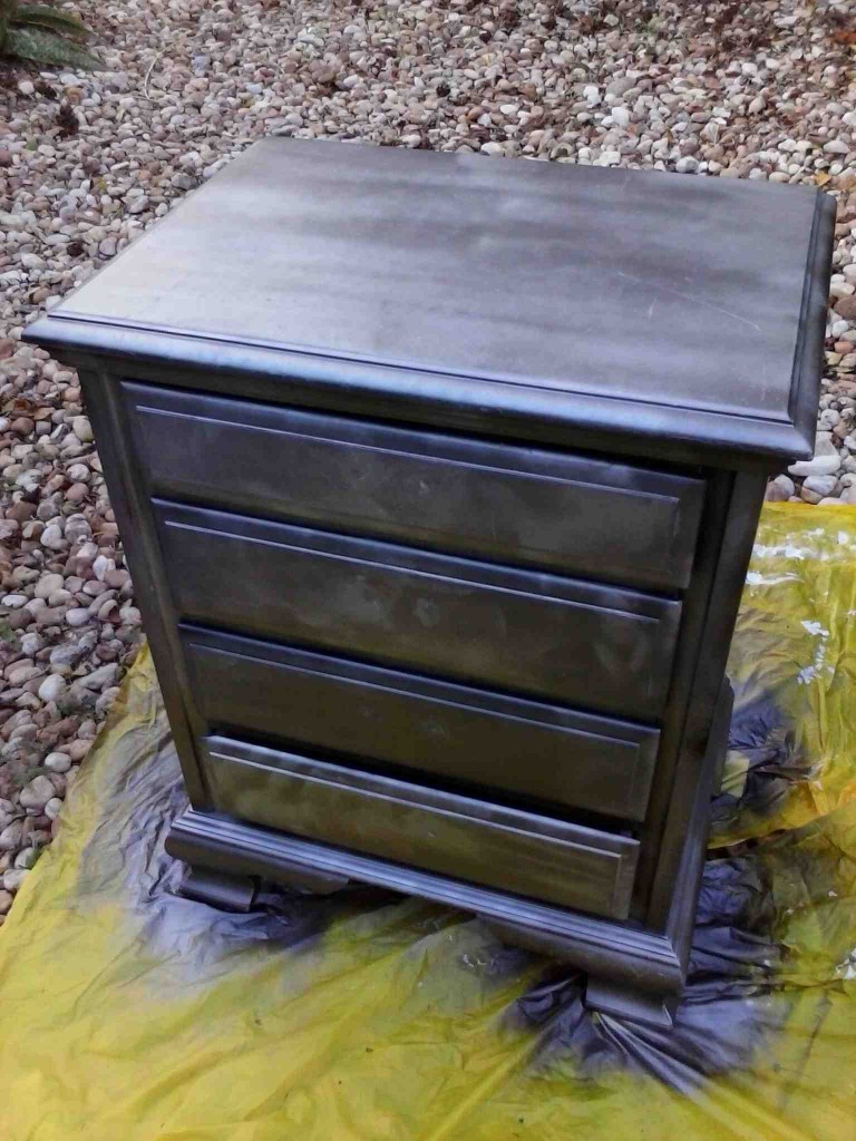 Ridiculously awesome shabby chic furniture makeover using krylon looking glass paint do it Spray paint for wood furniture