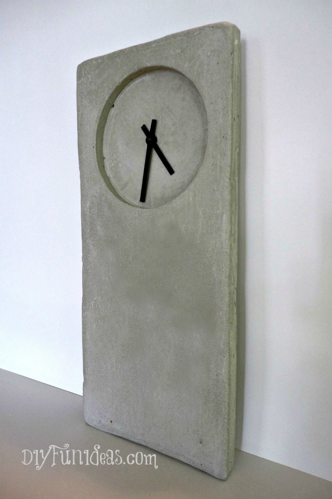 DIY CONCRETE CLOCK