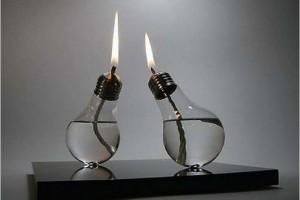 DIY lightbulb oil lamp