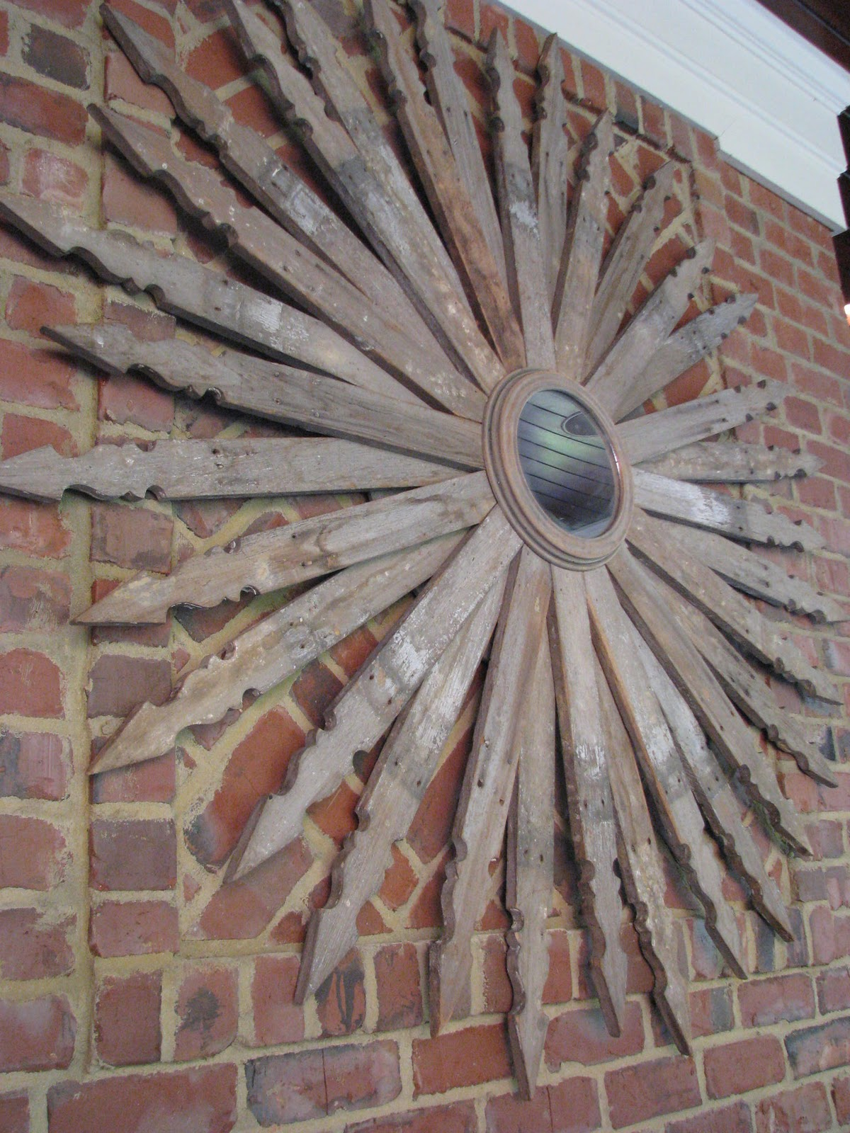 Diy Picket Fence Sun Burst Mirror Do It Yourself Fun Ideas