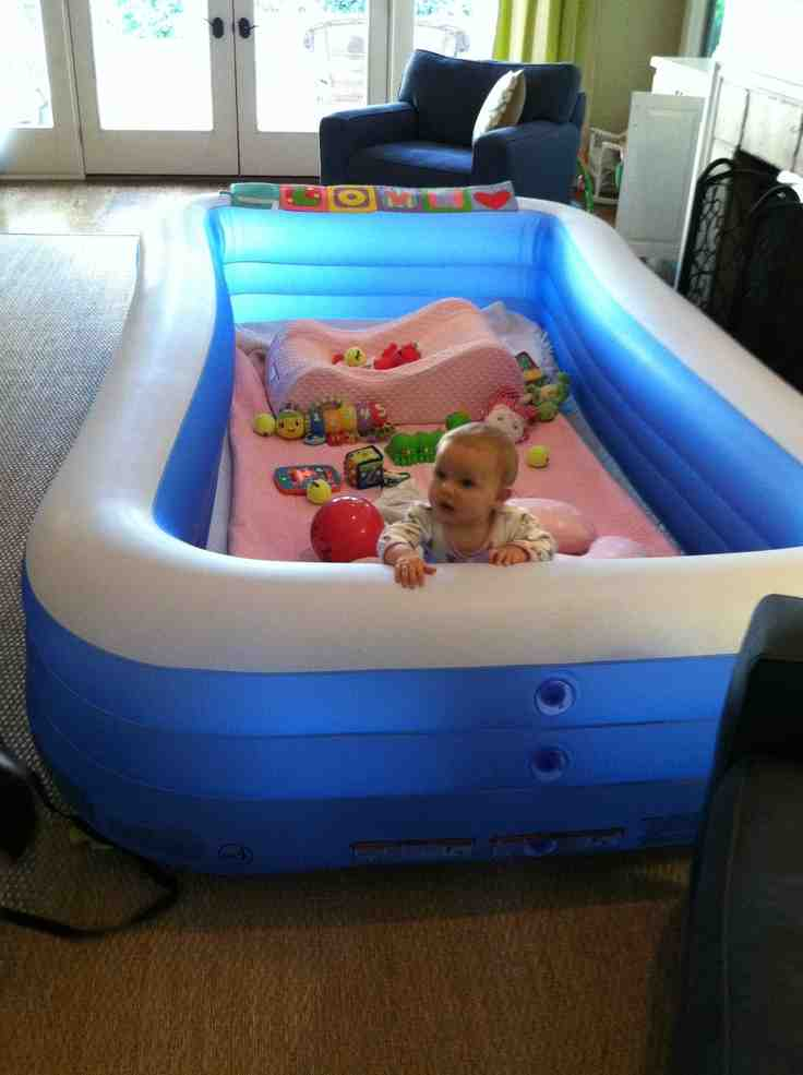 Use An Inflatable Pool As A Playpen For Your Toddler Do