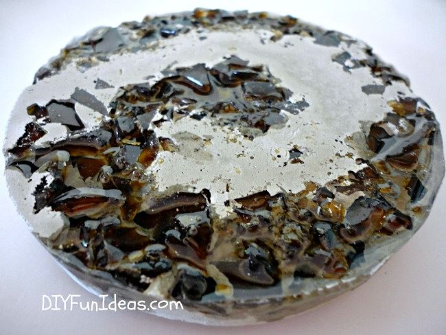 HOW TO MAKE CRUSHED GLASS CONCRETE COASTERS