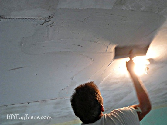 How to fix ceiling drywall